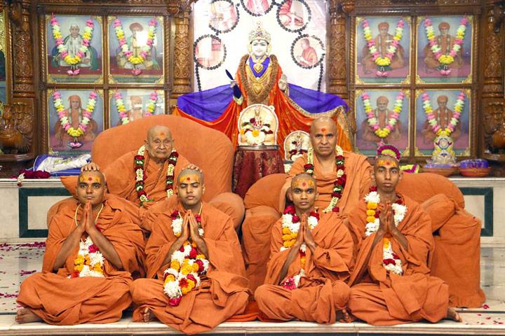 Pure Agna and Upasana Sants